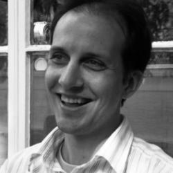 Dr Alan  Colli
